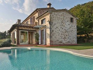 Lovely Villa with Internet Access and Television - Capezzano Pianore vacation rentals