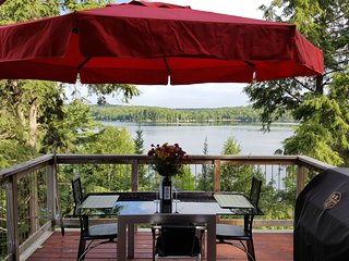 The Loft - Panoramic Adult Lakeside Cottage - Haliburton vacation rentals