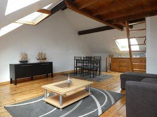studio 36 m2 avec mezanine  plus jardin - Amiens vacation rentals