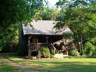 Cozy Cottage with Grill and Microwave - Chelsea vacation rentals