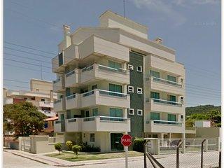 TODO CONFORTO A POUCOS mts. DO MAR EM BOMBINHAS!!! - Bombinhas vacation rentals