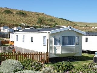 Cozy 2 bedroom Caravan/mobile home in Burton Bradstock - Burton Bradstock vacation rentals