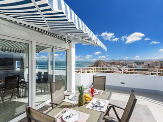 Amazing first line beach penhouse in Fuengirola - Fuengirola vacation rentals