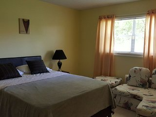 Nice Condo with A/C and Shared Outdoor Pool - Sunrise vacation rentals