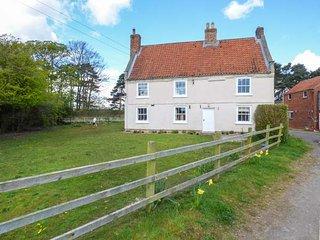 SINKINSON HOUSE FARM, pet-friendly, working farm, WiFi, en-suite, hot tub - Scrayingham vacation rentals