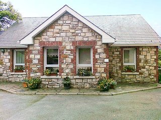 READS PARK, all ground floor, zip/link beds, ample parking, shared garden, in Tipperary, Ref 926873 - Tipperary vacation rentals