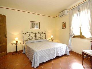 Appartamenti in casa di campagna tra viti e olivi. - Montecarlo vacation rentals