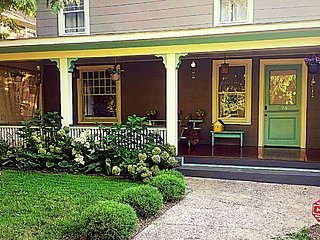 WALK TO DOWNTOWN - HISTORIC MONTFORD (10 PEOPLE) - Asheville vacation rentals