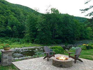 Cozy House with Internet Access and Dishwasher - Phoenicia vacation rentals