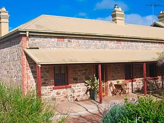 2 bedroom Bed and Breakfast with A/C in Callington - Callington vacation rentals