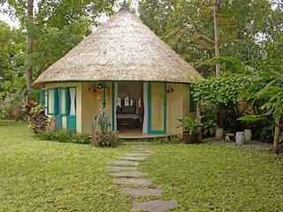 3 bedroom Villa with Internet Access in Sayan - Sayan vacation rentals