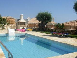 Charming 2 bedroom Villa in Tragaki with Internet Access - Tragaki vacation rentals
