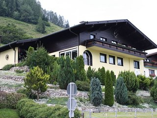 Chalet Charlotte Apartment Hirsch - Bruck an der Grossglocknerstrasse vacation rentals