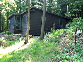Nice Cottage with Internet Access and Porch - Lake Bomoseen vacation rentals