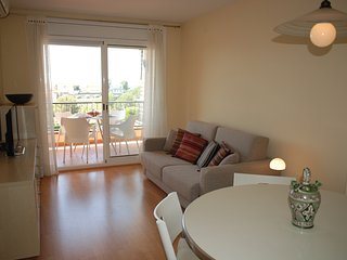 Lovely 2 bedroom apartment with a swimming pool in - Calafell vacation rentals