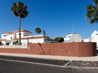 Detached Villa With Gardens & Private Heated Pool. - La Caleta vacation rentals