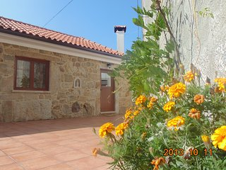 Romantic 1 bedroom Sao Pedro da Torre Cottage with Television - Sao Pedro da Torre vacation rentals