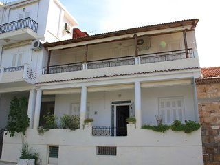 Bright 7 bedroom Edipsos House with A/C - Edipsos vacation rentals