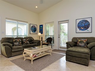 2 bedroom Condo with Shared Outdoor Pool in South Padre Island - South Padre Island vacation rentals