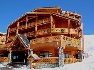 Bright 4 bedroom Condo in Val Thorens with Internet Access - Val Thorens vacation rentals