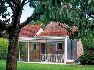 3 bedroom House with Television in Saint-Quay-Perros - Saint-Quay-Perros vacation rentals