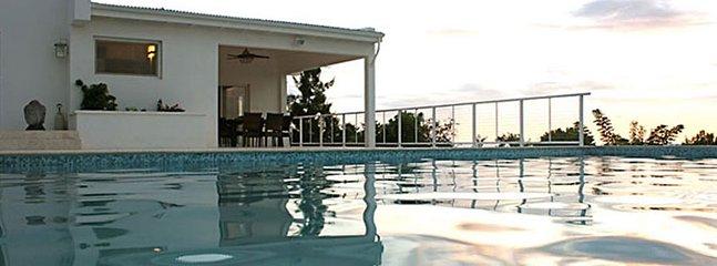 Villa La Di Da 3 Bedroom SPECIAL OFFER - Image 1 - Pelican Key - rentals