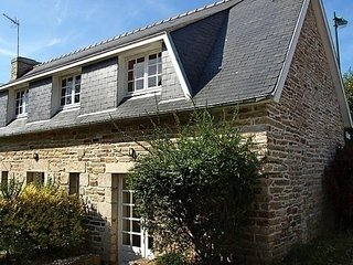 Bright 2 bedroom La Foret-Fouesnant House with Parking - La Foret-Fouesnant vacation rentals