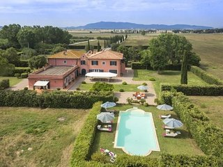 Bright Villa with Internet Access and A/C - San Donato vacation rentals