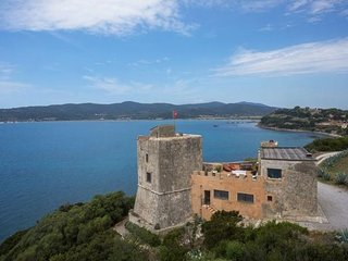 Charming 6 bedroom House in Talamone with A/C - Talamone vacation rentals