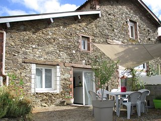 Nice Gite with Internet Access and Television - Saint-Andre-Goule-d'Oie vacation rentals