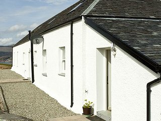 Bright 4 bedroom Strachur Cottage with Internet Access - Strachur vacation rentals