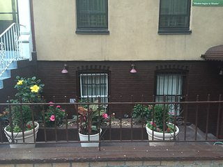 First Floor Aprtment in Brownstone - Bronx vacation rentals
