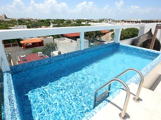 Brand New Condo, Good Location, Sleeps 6 - Playa del Carmen vacation rentals