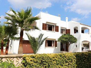 Adorable 2 bedroom Condo in Playa de Muro with A/C - Playa de Muro vacation rentals