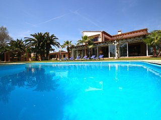 Beautiful Villa with Internet Access and Washing Machine - Santa Margalida vacation rentals