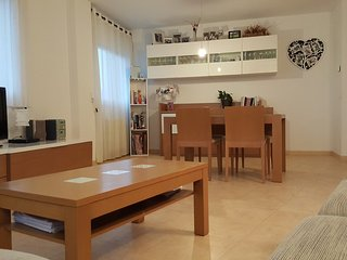 2 bedroom Apartment with Washing Machine in Pals - Pals vacation rentals