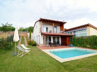 Beautiful 3 bedroom Villa in Les Olives - Les Olives vacation rentals