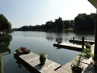 Quiet, Convenient, Perfect Lake Cove - Moneta vacation rentals