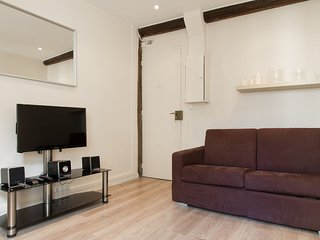 Marais - Ménilmontant: Lovely apt for 4 people - Paris vacation rentals