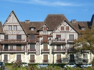 Le Normandie Home - Cabourg vacation rentals