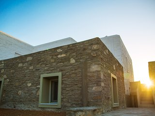 Antiparos Cycladic Stonehouse Aiolos - Antiparos Town vacation rentals