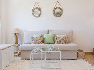 1 bedroom Condo with Internet Access in Parede - Parede vacation rentals