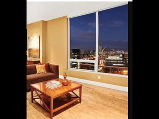 Skyline view Penthouse- 2mins from all Downtown - Portland vacation rentals