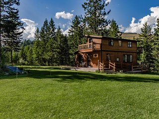 Ski in / ski out of this quiet wilderness home on 42 acres near Salmon Creek! - Conconully vacation rentals