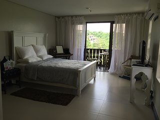 BNew 49 sq mtr Crosswinds GQ3  Corner Studio Unit - Tagaytay vacation rentals