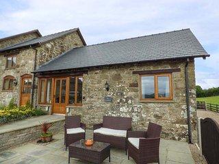 THE GRANARY, romantic retreat, open plan living area, WiFi, near Llanfair Caereinion, Ref. 923957 - Llanfair Caereinion vacation rentals