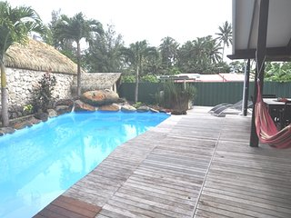 Spacious 4 bedroom Muri House with Long Term Rentals Allowed (over 1 Month) - Muri vacation rentals