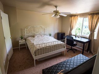 Cozy Private room with Central Heating and Housekeeping Included - Morrison vacation rentals