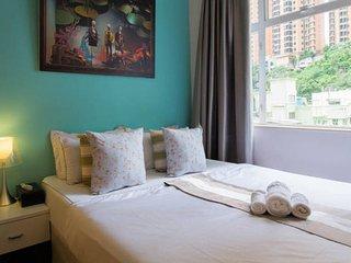Oasis88! CENTRAL BUDGET HOME MTR BIG - Hong Kong vacation rentals