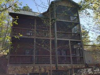 BEARY BEST - Murphy vacation rentals